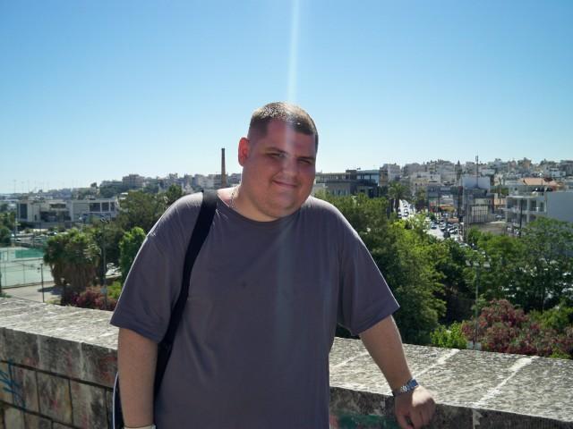 Греческими каникулами доволен