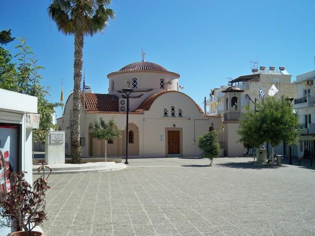 Все церкви в Греции имеют похожую архитектуру