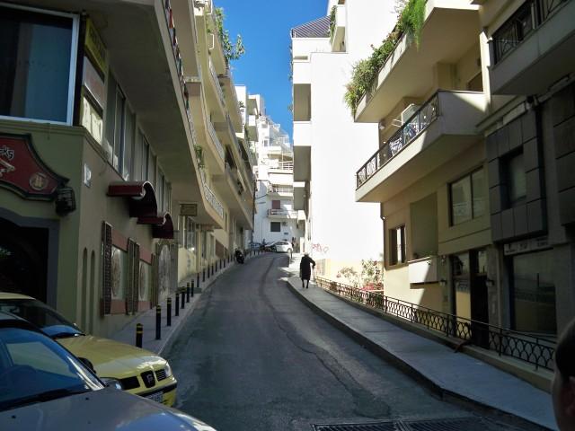 Запутанные и холмистые улицы Ираклиона